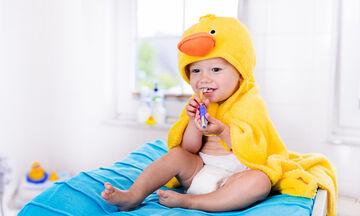 Πώς θα ανακουφίσετε το μωρό σας από τους πόνους των ούλων