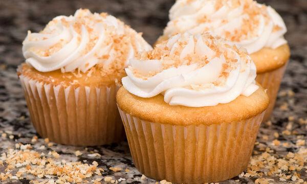 Cupcakes βανίλια - Τα πιο εύκολα και νόστιμα που έχετε φτιάξει (vid)