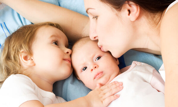 «Να κάνω δεύτερο παιδί;»: Απαντήσεις σε όσα σας προβληματίζουν