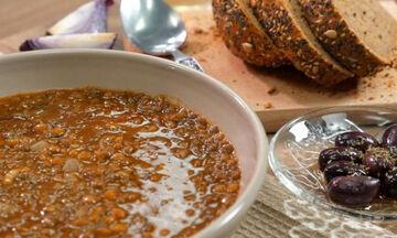 Φακές σούπα σε δύο εκδοχές - Ιδανική επιλογή για τα παιδιά (vid)