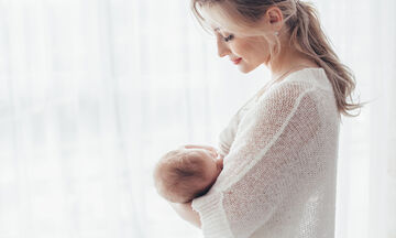 Πώς να αποφύγετε να σας δαγκώσει το μωρό σας ενώ θηλάζετε