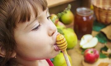 Μέλι: Τα οφέλη στη διατροφή των παιδιών μας (vid)