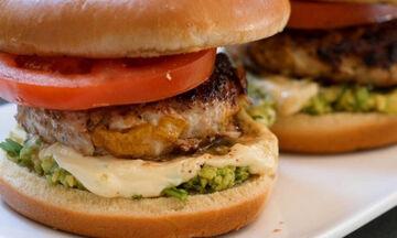 Υγιεινή συνταγή για παιδιά: Burger κοτόπουλο
