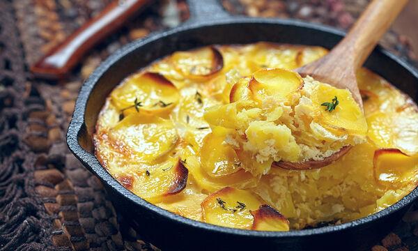 Νόστιμες πατάτες στο φούρνο με τυρί cheddar - Μια πολύ εύκολη συνταγή (vid)
