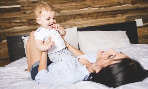 Μωρό 9 μηνών: Τι είδους επικοινωνιακές δεξιότητες έχει σε αυτή την ηλικία; (vid)
