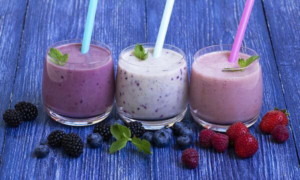 Smoothies detox: Τρεις συνταγές για το hangover, για λαμπερό δέρμα και υγιή μαλλιά (vid)