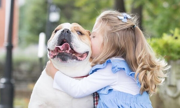 Παιδί και σκύλος: Δείτε τη μοναδική αυτή σχέση μέσα από τρυφερές φωτογραφίες (pics)