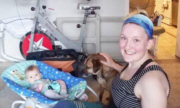 Νέα μαμά γυμνάζεται παρέα με το μωρό της και μας εξηγεί γιατί αυτό είναι σημαντικό (pics)