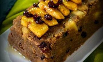 Σιμιγδαλένιος νηστίσιμος χαλβάς με μήλα και σταφίδες - Δείτε πόσο εύκολος είναι (vid)
