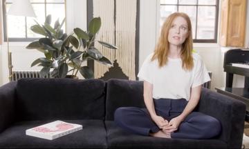 Η Julianne Moore μας ξεναγεί στο σπίτι της - Μείναμε άφωνοι με την κουζίνα της (vid)