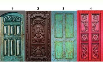 Διάλεξε μια από τις 4 πόρτες και δες τι κρύβει για σένα