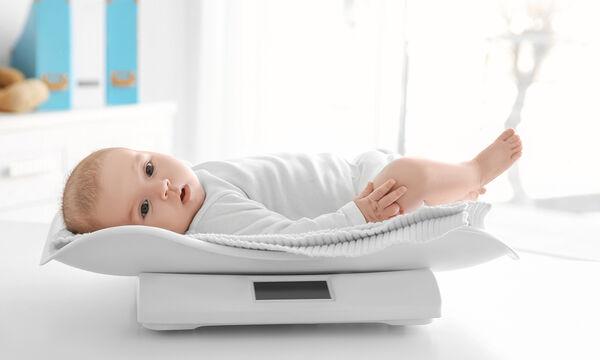 Βάρος μωρού: Τι είναι φυσιολογικό και τι πρέπει να προσέξετε