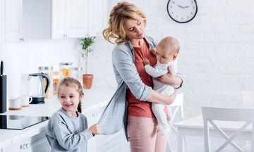 Είκοσι έξυπνα κόλπα που θα κάνουν την καθημερινότητα της μαμάς πιο εύκολη (vid)