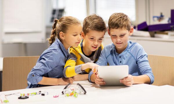 Πώς μπορείτε να διαπιστώσετε αν το παιδί σας είναι εθισμένο στο διαδίκτυο; Κάντε το τεστ