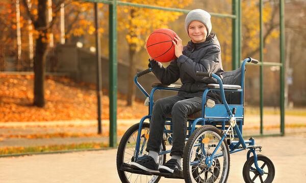 Δείτε πώς αυτός ο έφηβος αθλητής νίκησε τον καρκίνο. Ο αγώνας του θα σας συγκινήσει (vid)