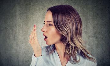 Γιατί μυρίζει το στόμα μας; (vid)
