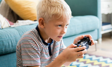 Άρνηση παιδιού να κλείσει την κονσόλα των παιχνιδιών: Τι μπορεί να κάνει ο γονιός;