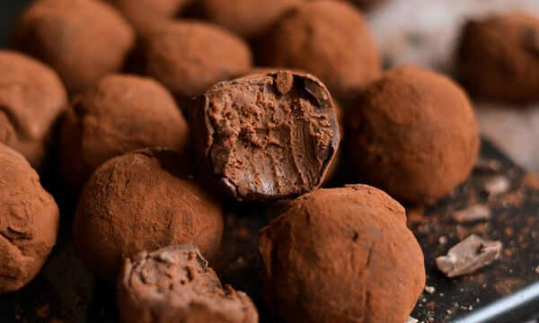 Τρουφάκια με σοκολάτα κουβερτούρα