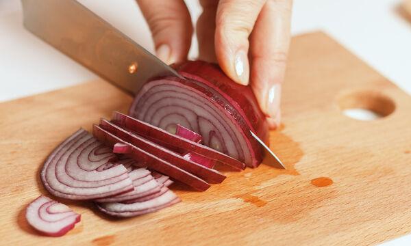 Τι μπορείτε να καθαρίσετε με ένα κρεμμύδι!