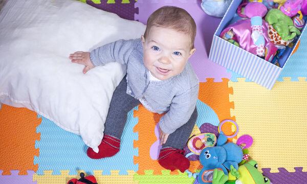 Βρέφος 7 μηνών: Κινητική και συναισθηματική ανάπτυξη