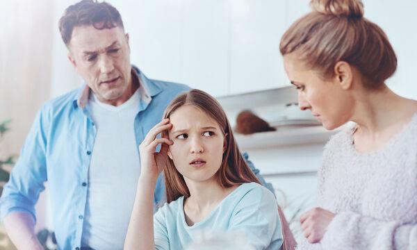 Πώς να μιλάμε στα παιδιά μας για κοινωνικά θέματα