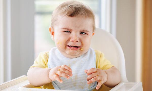 Γιατί κλαίνε τα μωρά μετά το φαγητό και πώς να το αντιμετωπίσετε