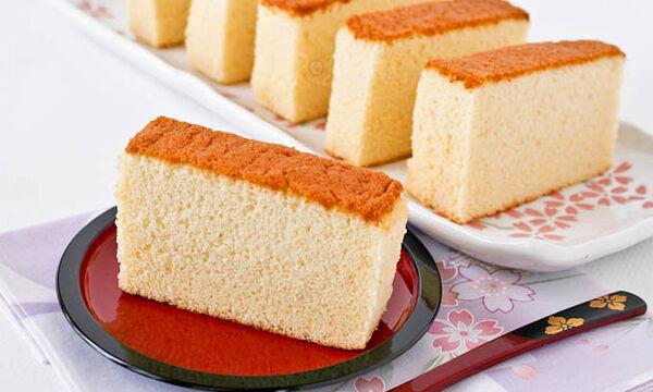 Αφράτο κέικ με μέλι - Είναι τόσο νόστιμο! (vid)