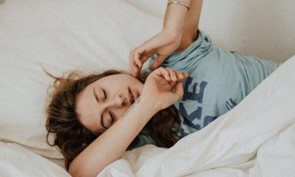 Ο απίστευτος λόγος που δεν πρέπει να κλείνεις το ξυπνητήρι το πρωί