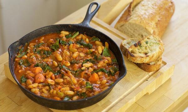 Νηστίσιμη συνταγή: Φασόλια με λαχανικά (vid)