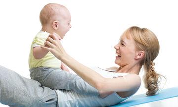 Σε φόρμα μετά την καισαρική: 5 εύκολες ασκήσεις για να επανέλθει το σώμα μετά τη γέννα (vid)