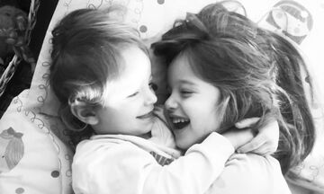 Η αδελφή μου και εγώ: Μια μοναδική σχέση μέσα από ξεχωριστές φωτογραφίες (pics)