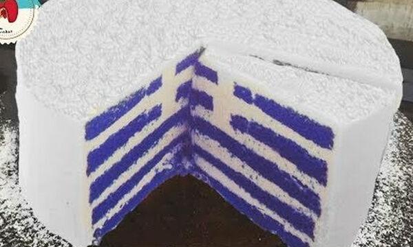 Τούρτα Ελληνική Σημαία: Η συνταγή και πώς θα διακοσμήσετε αυτή την επετειακή τούρτα  (vid)