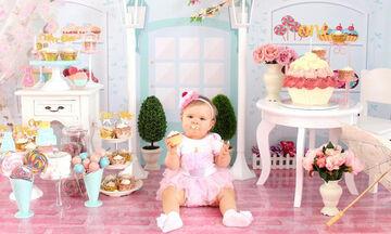 Αυτή η μικρούλα κατέστρεψε τις φωτογραφίες των γενεθλίων της αλλά είναι τόσο… γλυκιά! (pics)