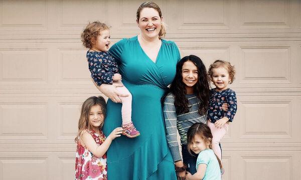 Μια μαμά μας παροτρύνει: «Πείτε στις κόρες σας να αγαπάνε το σώμα τους» (pics)