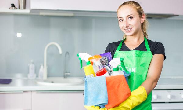 Μηνιαίο πρόγραμμα καθαριότητας: Οργανωθείτε για να σωθείτε!