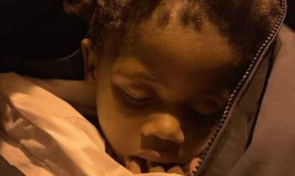 Γονείς ξέχασαν την δίχρονη κόρη τους στο πάρκο και το αντιλήφθηκαν την επόμενη μέρα