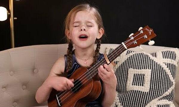 6χρονη τραγουδάει ένα κλασικό τραγούδι του Elvis Presley και γίνεται viral με 9 εκ. προβολές!(vid)