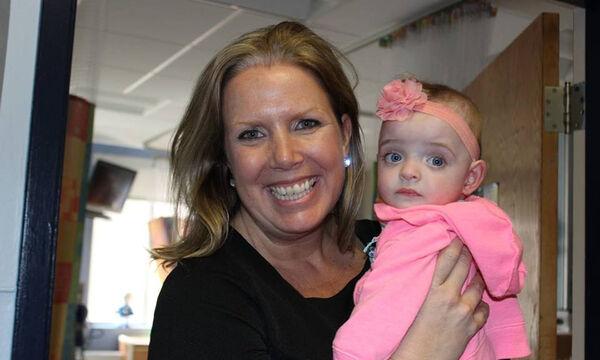 Στα αζήτητα αυτό το μωρό για μήνες - Η συγκινητική ιστορία της υιοθεσίας (pics&vid)