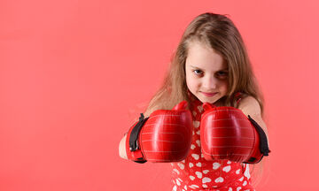 Πώς θα καταφέρετε να μεγαλώσετε ψυχικά ανθεκτικά παιδιά