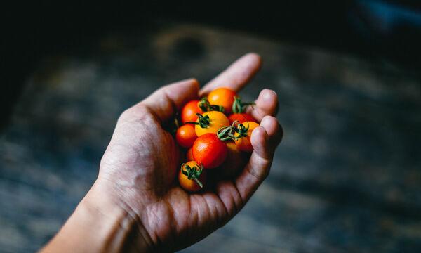 Εσύ τρως με τον σωστό τρόπο τις ντομάτες ή τα καρότα;