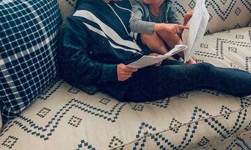Αυτό είναι πρόγραμμα! Δείτε τι κάνει διάσημη μαμά για να βάλει τα παιδιά της για ύπνο (pics)