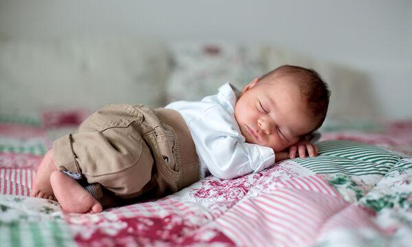 Ρούχα και ντύσιμο νεογέννητου: Απαντήσεις σε ερωτήσεις που κάνουν όλες οι μαμάδες