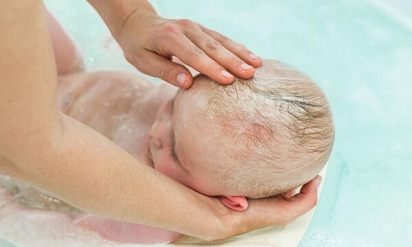 Έτσι θα φροντίσετε σωστά το δέρμα του μωρού σας (pics+vid)