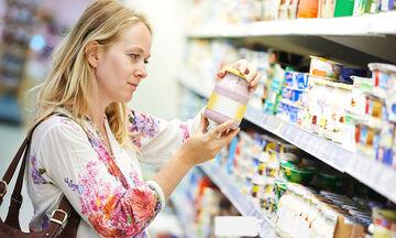 Πώς να αποφύγετε τις παραπλανητικές ετικέτες τροφίμων κατά τη διάρκεια της εγκυμοσύνης