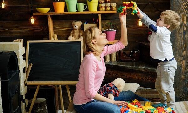 Πώς οι Αμερικανίδες ισορροπούν εργασία και μητρότητα