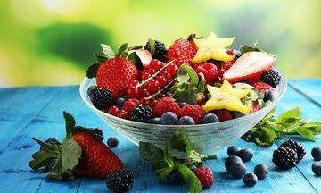 Μυγάκια στα φρούτα: Πώς να τα απομακρύνετε με φυσικά υλικά