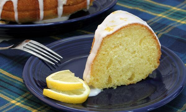Νηστίσιμο κέικ λεμονιού: Εύκολο και αφράτο (vid)
