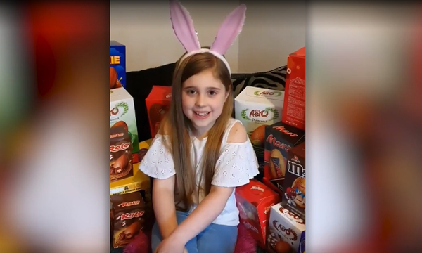 9χρονη θέλει να βοηθήσει τα άρρωστα παιδιά και μάζεψε 1.100 σοκολατένια αυγά! (vid)