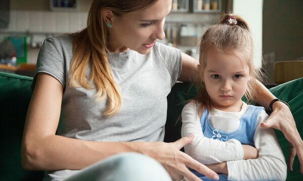Φράσεις που θα πρέπει να σταματήσετε να λέτε στο νήπιο παιδί σας