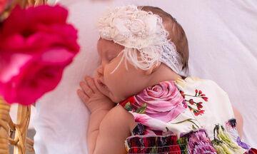 Η γνωστή τραγουδίστρια μας συστήνει την κόρη της ένα μήνα μετά τη γέννησή της  (pics)